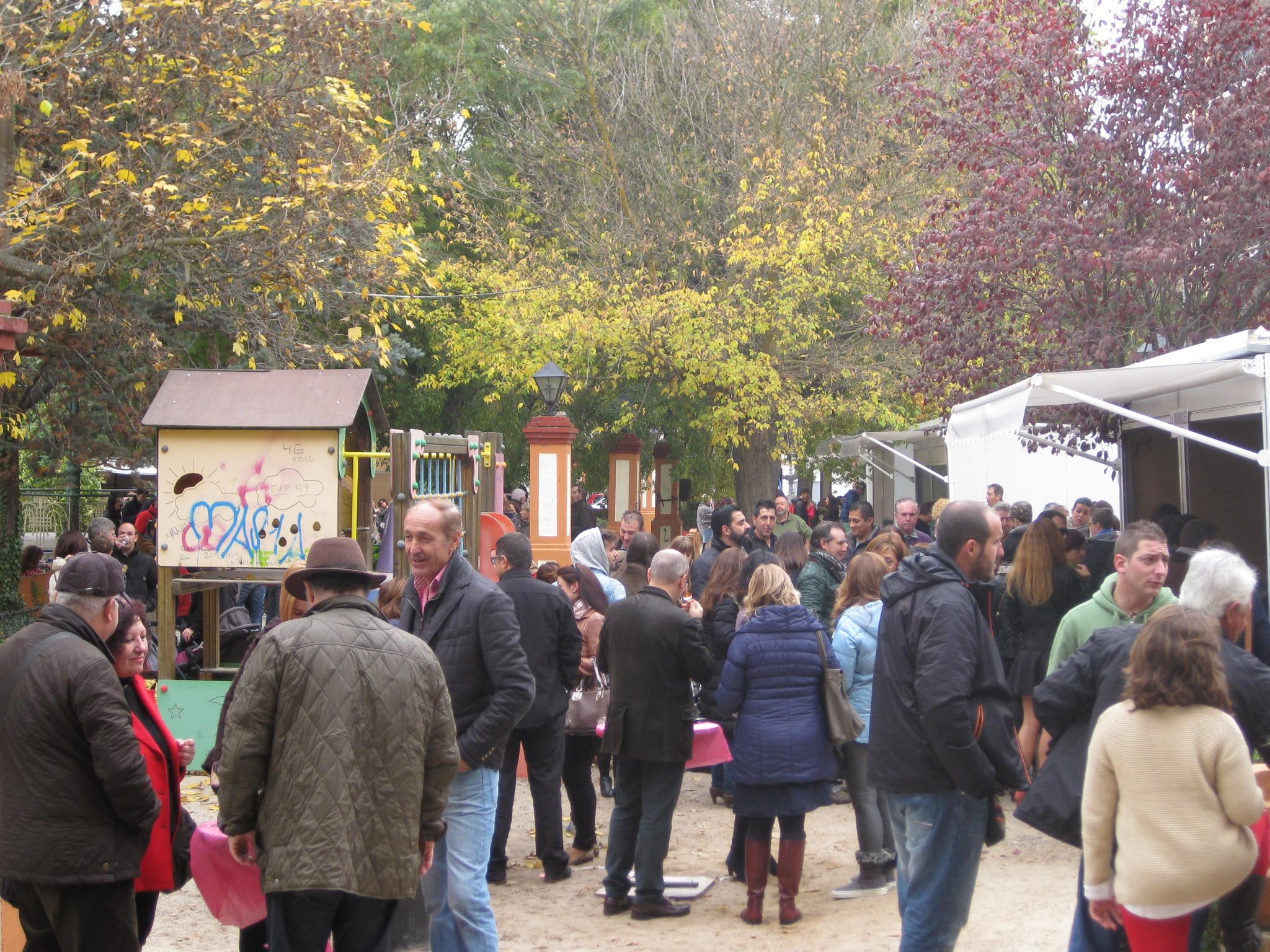 El parque de la Glorieta de Requena acogió la III edición de Tapeando la Ruta FUENTE: Ruta del Vino Utiel-Requena