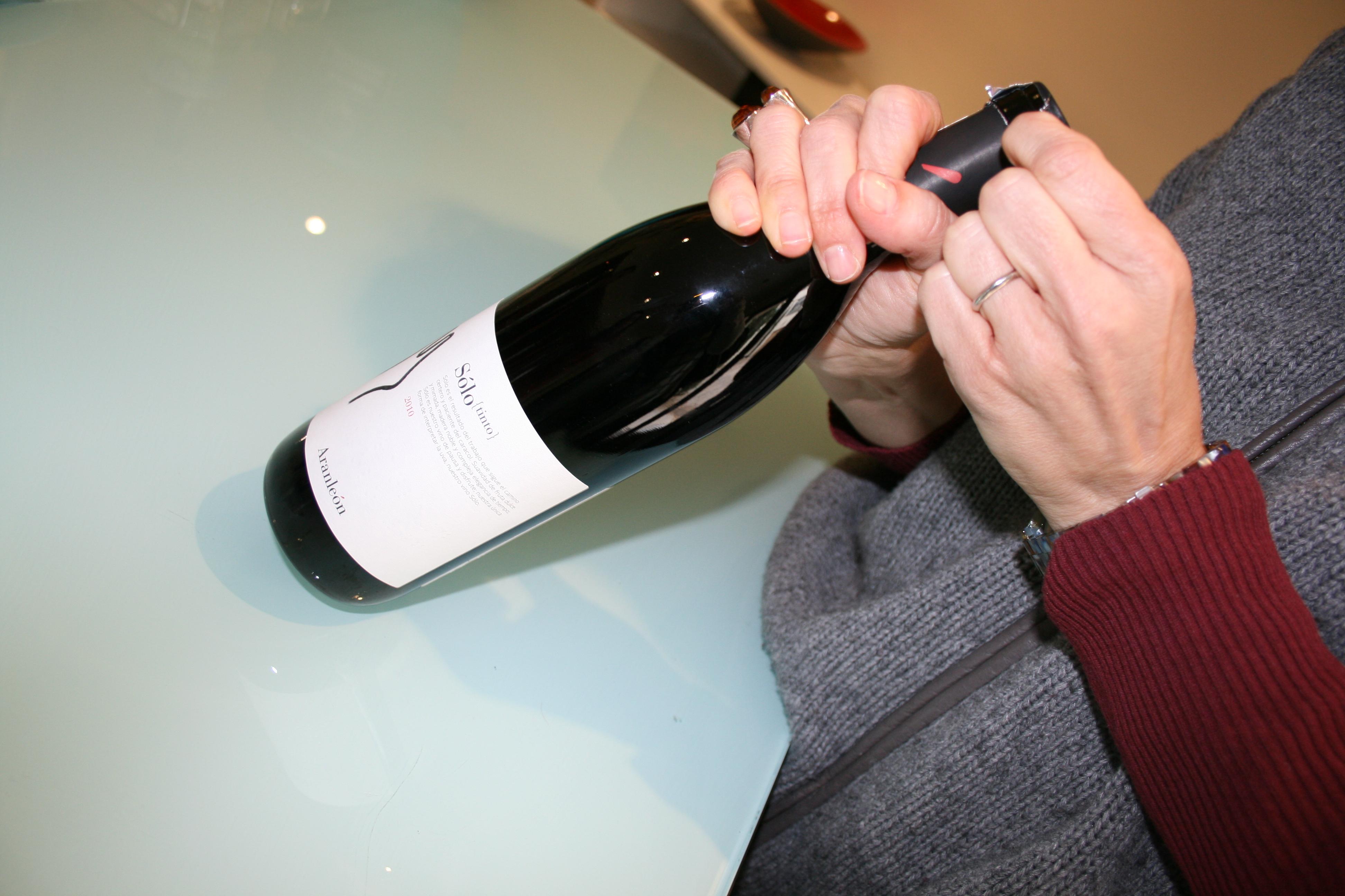 Para saber cual es la temperatura para consumir un vino tinto, hemos de fijarnos en la naturaleza de sus aromas FUENTE: utielrequena.org