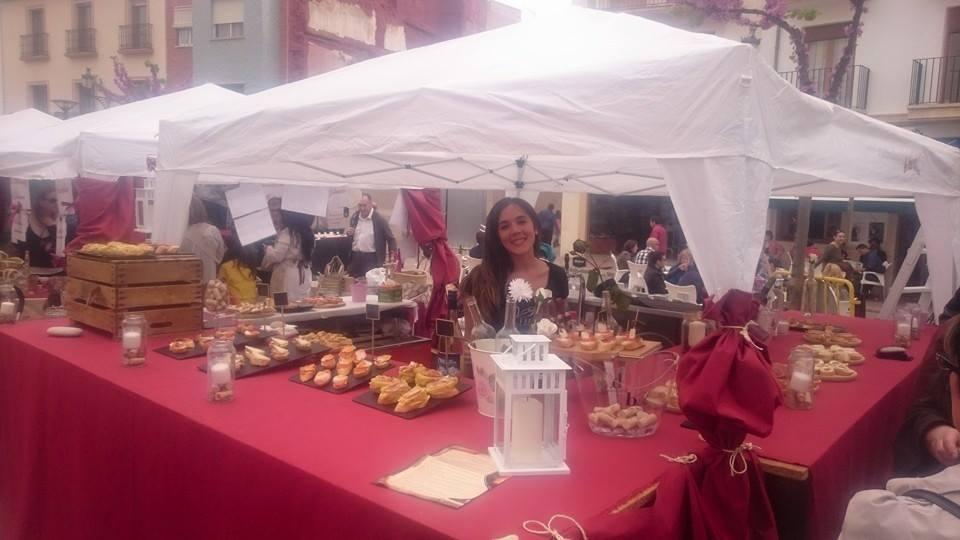 Más de 40 artesanos de todos los sectores se dieron cita en la I Feria de Exposión de Artesanía y Productos Tradicionales de Utiel FUENTE: Mercado Artesano de Utiel