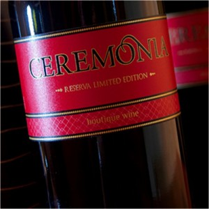 El Ceremonia Reserva de Autor combina las variedades Tempranillo, Cabernet Sauvignon y Bobal FUENTE: vicentegandia.es
