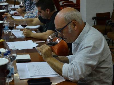 La  Asociación Valenciana de Sumilleres cata 80 vinos Utiel-Requena