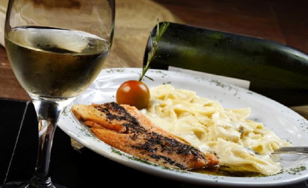 Maridaje salmón y vino