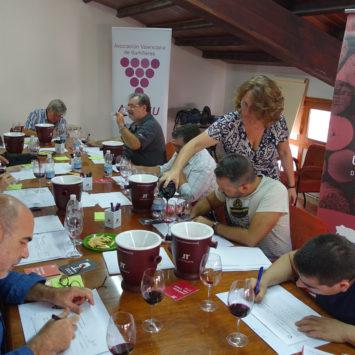 La Asociación Valenciana de Sumilleres destaca la calidad de los vinos Utiel-Requena