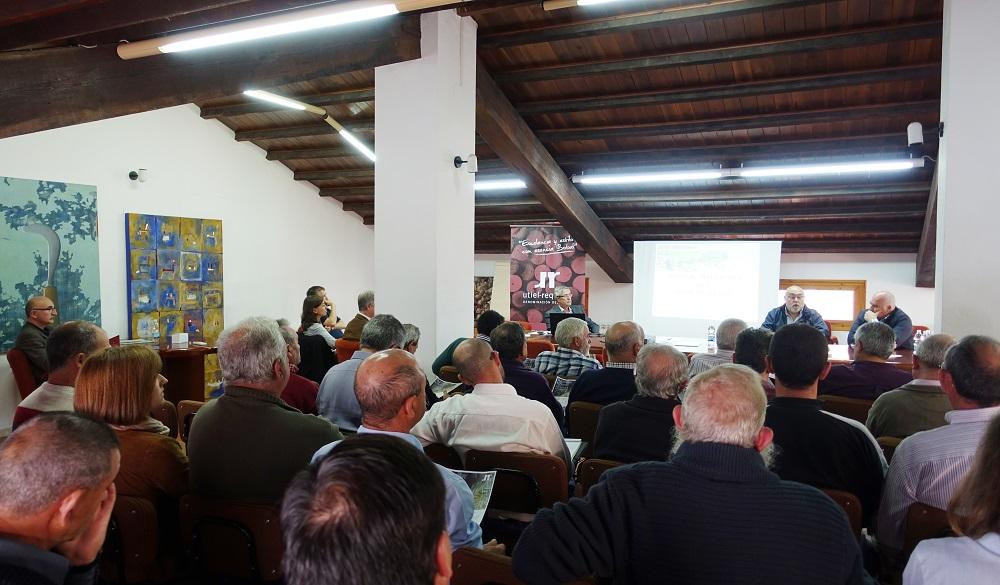 21 bodegas cooperativas presentan un proyecto de integración del vino a granel