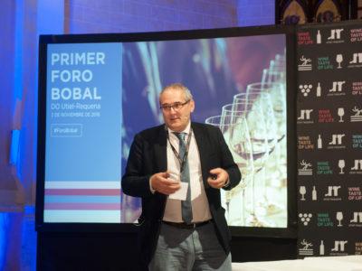 """Pedro Ballesteros: """"La Bobal tiene gran potencial y capacidad de crear vinos de estilo único en la DO Utiel-Requena"""""""