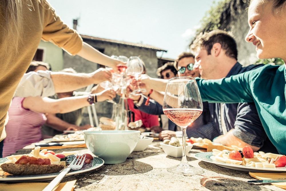 Movimiento Vino DO se consolida como impulsor del consumo de vino entre los jóvenes