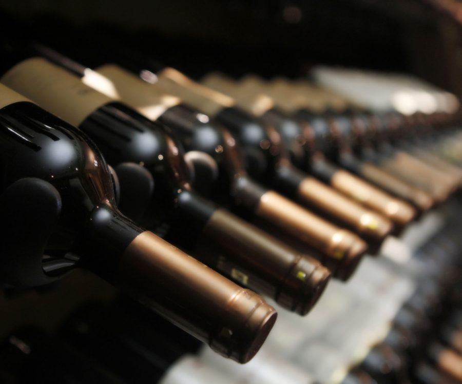 Aprende la clasificación de los vinos por edad, color y variedades de uva
