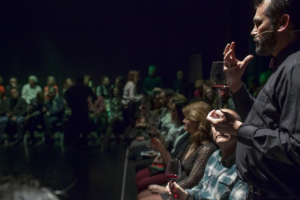 La DO Utiel-Requena colabora con Extemus Danza a través de uno de sus espectáculos