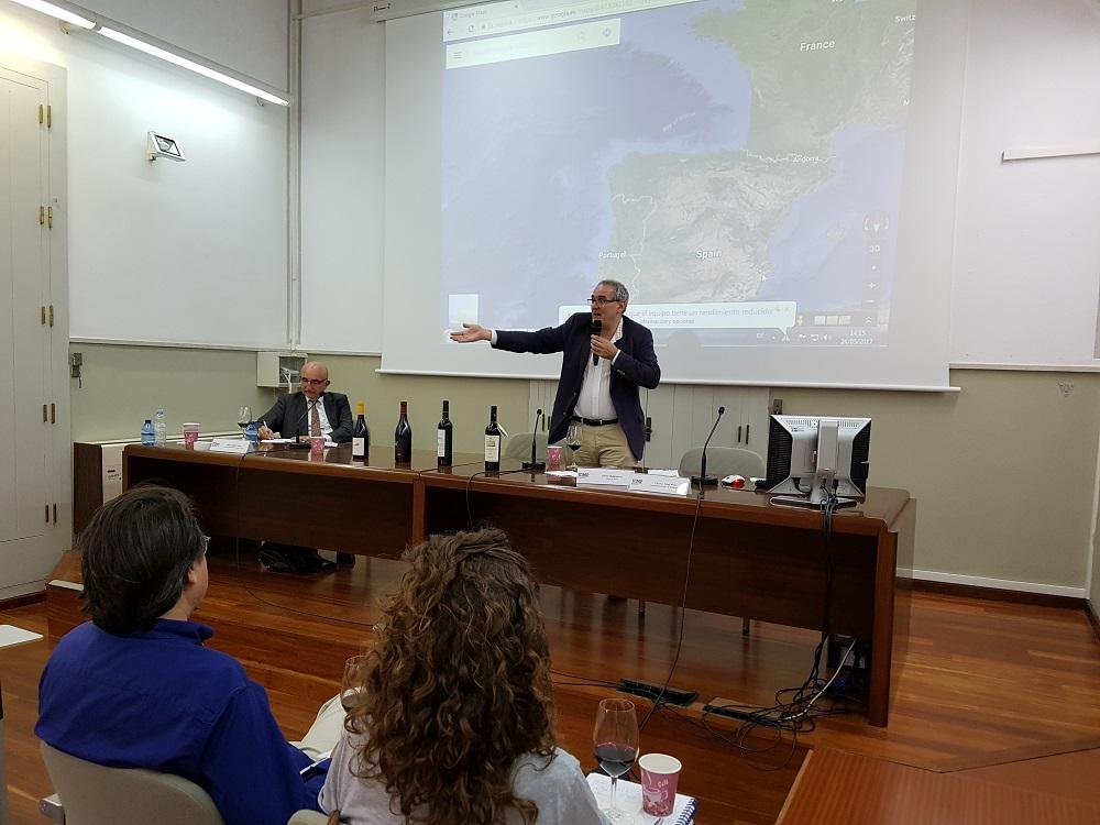 Se inaugura el seminario de la UIMP con dos ponencias y una cata de Pedro Ballesteros