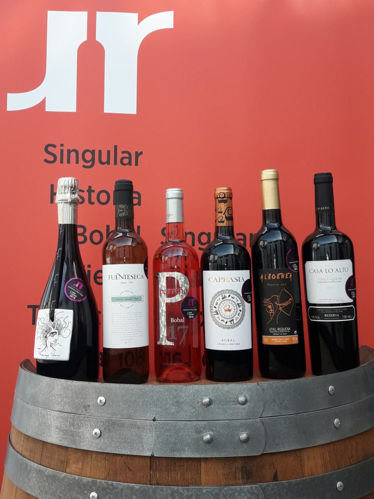 Utiel-Requena elige seis vinos representativos de la DO para 2018