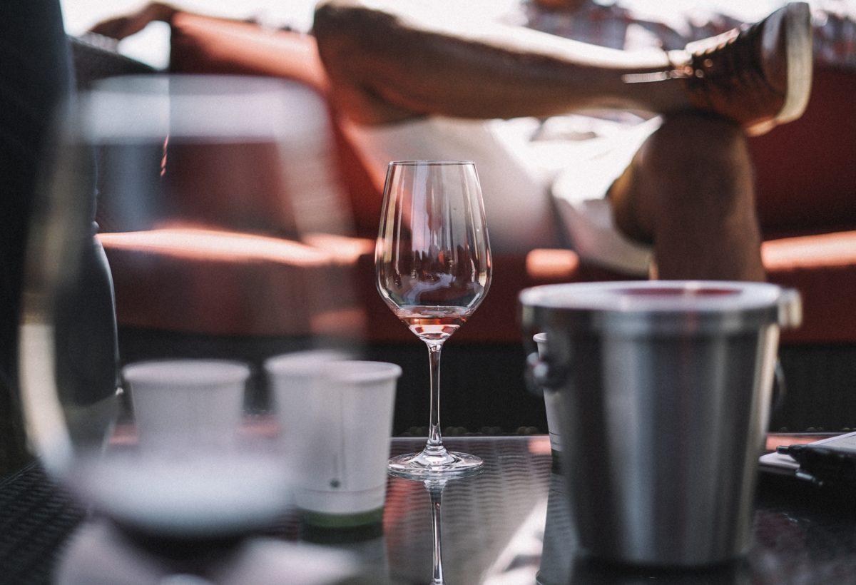 ¿Sabes cómo limpiar las copas de vino?