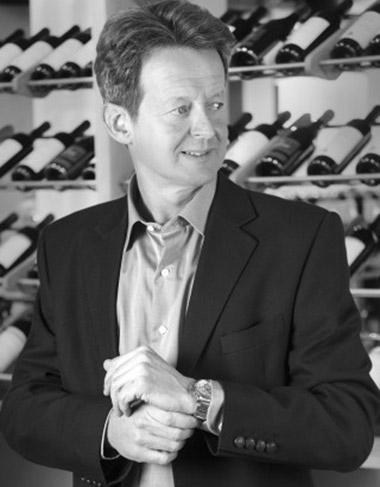 """Mark O'Neill: """"Para poder hablar de vinos, tienes que saber qué es el vino"""""""