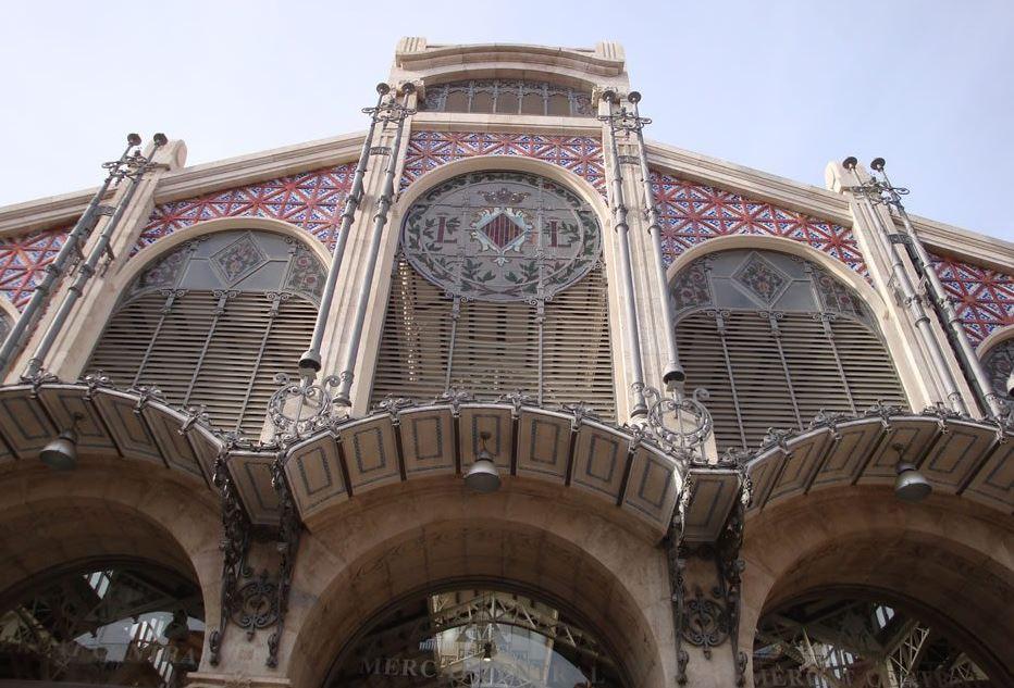 El Mercado Central de Valencia acoge una cata de vinos de la DO Utiel-Requena en otoño