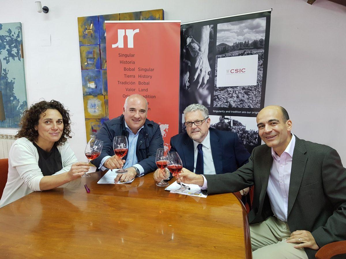 DO Utiel-Requena firma un contrato investigación con CSIC para el proyecto #ValoraBobal