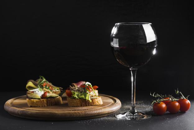 ¿Sabes cómo potenciar el sabor de la comida con el vino? 0
