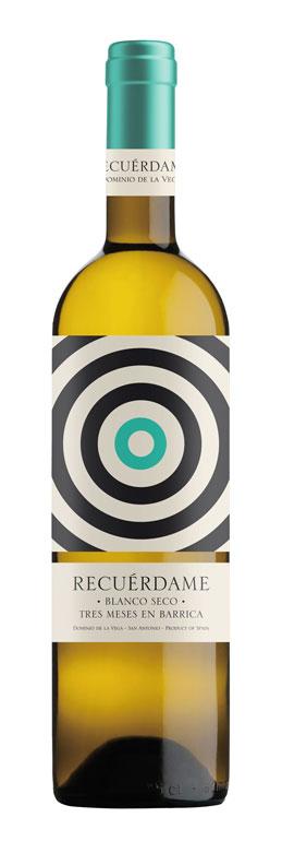 Celebra el amor con una copa del mejor vino 2