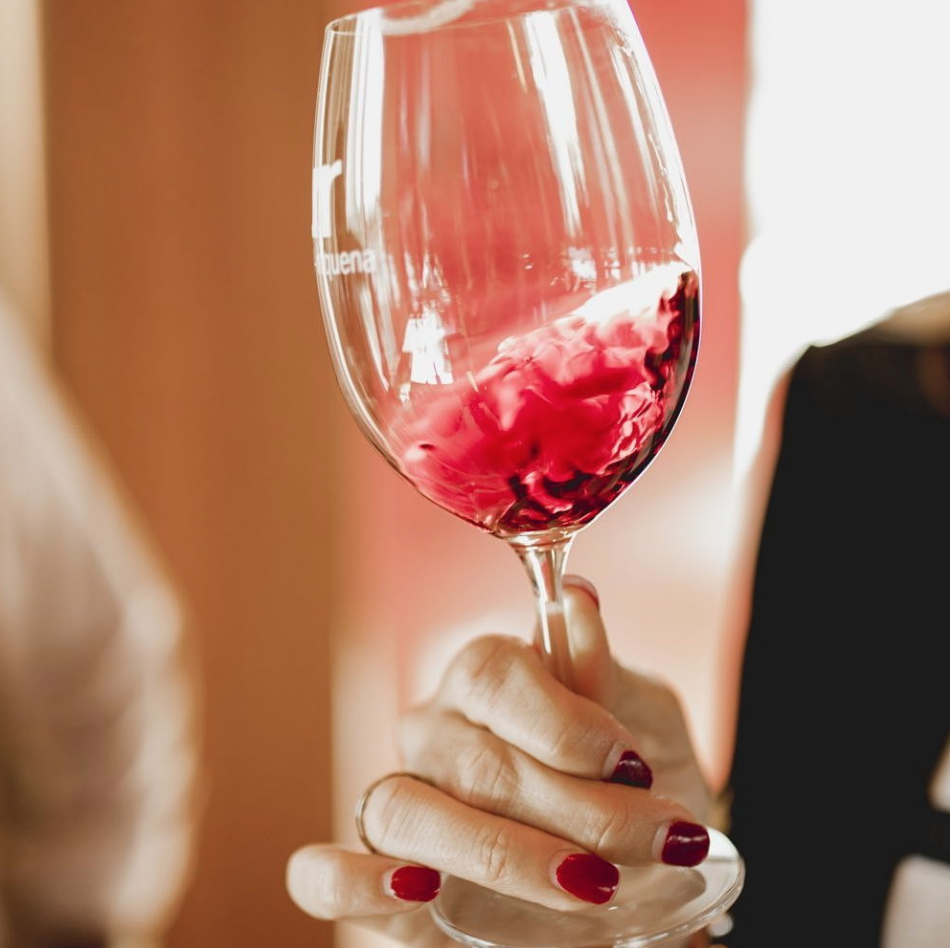4 sensaciones que causa el vino en la boca 0