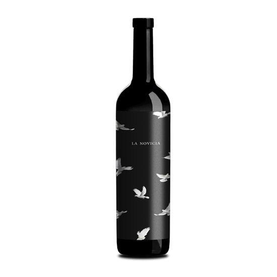 Botella de vino blanco La Novicia