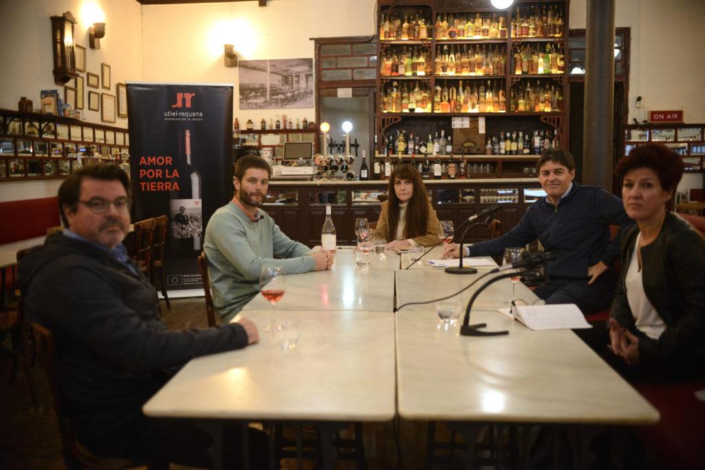 La DO Utiel-Requena publica Tertulias con Bobal: Reflexiones con Manuela Romeralo 0